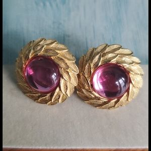 Vintage Jewelry - TRIFARI TMVintage Clip on Earrings with Pink Stone